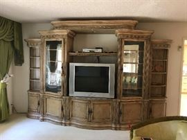 5 Piece lovely cabinet