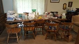 Dining table with 12 chairs, Solid wood, 3 leaves.