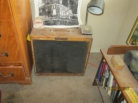 FENDER TREMELO AMP ABOUT 1960