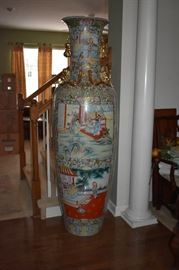 Gorgeous Oriental Rose Medallion Palatial Vase  in Absolutely Beautiful Condition over 6' tall