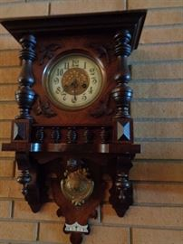 ANTIQUE CLOCK CHIMES ON HOUR AND HALF HOUR