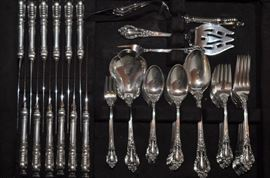 Lunt Eloquence 80 piece set of sterling silver flatware