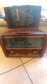 Vintage World-Wide Hallicrafters Radio-WORKS