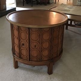 Mid century round end table