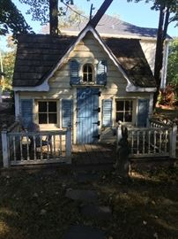 SMALL PLAY HOUSE FOR SALE  ,  HAS SMALL LOFT