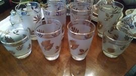 VINTAGE GOLD LIBBEY LEAF BARWARE GLASSES