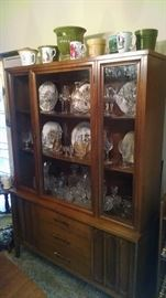 MID-CENTURY MODERN CHINA CABINET/ HUTCH