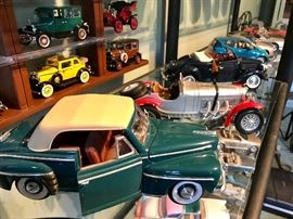 Collectible cars; die-cast model cars; approx. 100 of them! From antiques to modern.