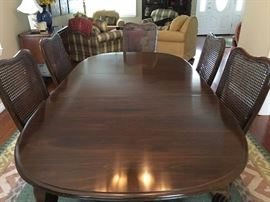 Ethan Allen Queen Anne Cherry Dining table with 2 leaves, 6 chairs and table pads - Very good condition $ 450 OBO