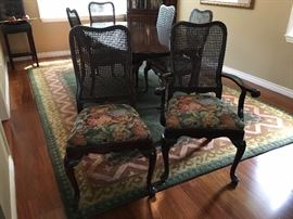 Ethan Allen Queen Ann  Cherry Dining table with 2 leaves, 6 chairs and table pads - Very good condition $ 450 OBO