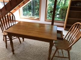 OAK TABLE, 2 CHAIRS