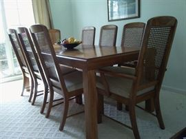 Bernhardt Dining Table with 8 nice chairs, Perfect for Thanksgiving Dinner