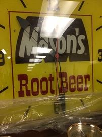 Mason's Root Beer Vintage Clock