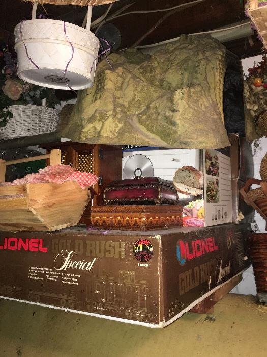 Find Lionel At Estate Sales