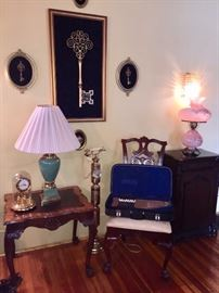 Henredon lamp table