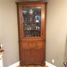 Antique Classic Arts and Crafts Style Hutch