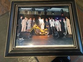 Custom motorcycle signed by the all star NBA players very special! Shaq, Steve Nash Raja Bell Barbosa Grant Hill