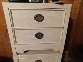 Thomasville Set of Bedside Dressers