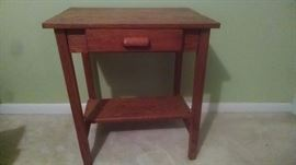 Small oak single drawer desk/night stand