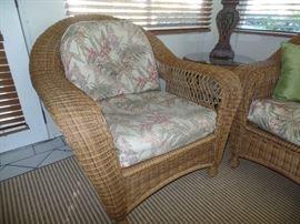 Like new wicker chair