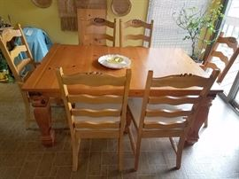 Gorgeous wood kitchen/dining room table and Six chairs