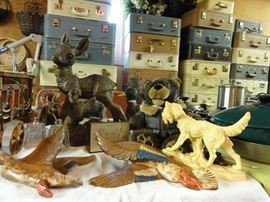 Duck decor, fawn, Bomber bear, dog with prey (Norleans, Made in Italy), !!!quantity!!! of vintage suitcases