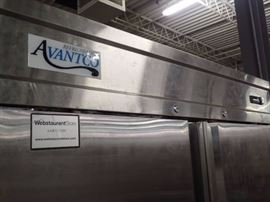 Avantco 2 Door Stainless Cooler/Freezer