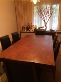 Dillingham Dining room table with six chairs (2 leaves not shown)