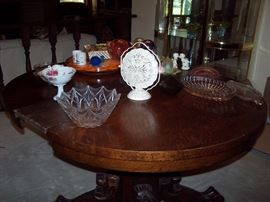 Vintage Lions Head & Claw Foot Table