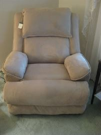 power recliner w/massage & heat, controls are in arms