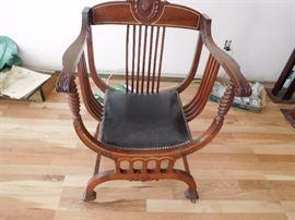 antique  savonarola chair