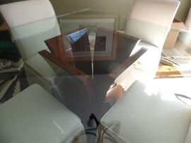 """Beautiful 53"""" Mahogany and  glass top dining/kitchen table w/4 upholster chairs"""