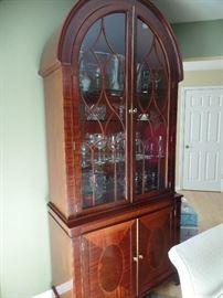 Beautiful Mahogany cabinet -lighted