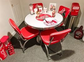 """36"""" Coca Cola Table and Chairs"""