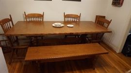 TELL CITY WOOD TABLE 4 CHAIRS ,1 leaf and a bench mint condition