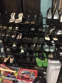 ladies shoes $5.