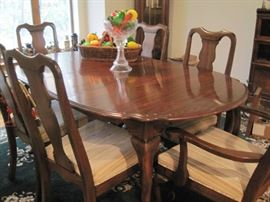 dining table with 2 leaves & 6 chairs