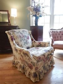PAIR OF FLORAL UPHOLSTERED CHAIRS