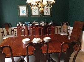 Hickory Chair Co. Mount Vernon Dining Room Suite {Table, 8 Chairs, Leaf, Sideboard}