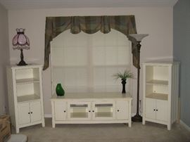 Riverside Flat Screen TV Stand & 2 Side Cabinets