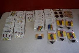 49 Packages of Wood Clips Clothespins