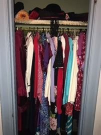 TONS OF WOMENS CLOTHING-SIZE MEDIUM TO LARGE