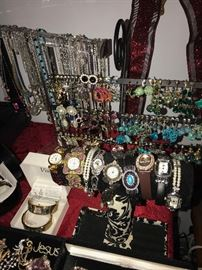 TONS OF COSTUME JEWELRY CRYSTAL AND RHINESTONE COSTUME JEWELRY