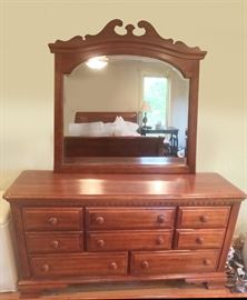 Old Stockbridge Carlisle Collection, set includes: Queen Sleigh bed, 8 drawer dresser, beveled mirror decorative wood frame, 7 drawer highboy, 3 drawer night stand, excellent condition, solid wood.