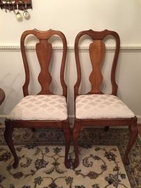 Set of 6 Queen Anne style DR chairs LOT 5