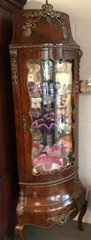 French Vitrine Corner Cabinet with Gilt Mount and Trim