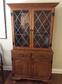 Ethan Allen Heirloom Maple Collection Pewter Framed Glass China Cabinet