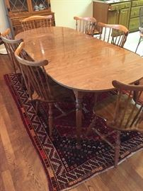 Ethan Allen American Traditional Nutmeg Maple Spoon Foot Dining Table w/6 Windsor Chairs
