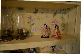 Lamps and geishas
