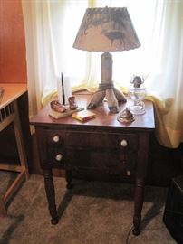 two drawer stand & deer hooves table lamp